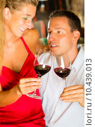 Купить «woman man couple wine pair», фото № 10439013, снято 23 августа 2019 г. (c) PantherMedia / Фотобанк Лори