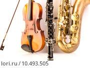 Купить «Sax tenor saxophone violin and clarinet in white», фото № 10493505, снято 18 марта 2019 г. (c) PantherMedia / Фотобанк Лори