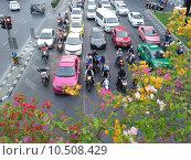 Светофор в Банконге (2015 год). Редакционное фото, фотограф Пышкин Юрий Михайлович / Фотобанк Лори