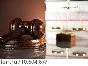 Купить «Law theme, mallet of judge, wooden gavel », фото № 10604677, снято 6 июля 2020 г. (c) PantherMedia / Фотобанк Лори