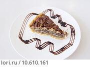 Pecan Pie Slice. Стоковое фото, фотограф Jit Lim / PantherMedia / Фотобанк Лори