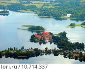 Купить «Trakai castle in the lake», фото № 10714337, снято 26 августа 2019 г. (c) PantherMedia / Фотобанк Лори