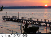 Купить «The wooden platform in Dardanelles. The view from Asia on Europe», фото № 10731669, снято 25 мая 2019 г. (c) PantherMedia / Фотобанк Лори