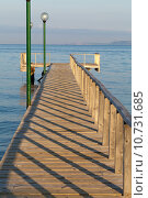 Купить «The wooden platform in Dardanelles. The view from Asia on Europe», фото № 10731685, снято 25 мая 2019 г. (c) PantherMedia / Фотобанк Лори