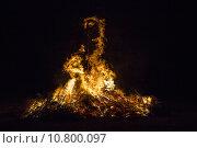 Купить «danger fire burn solstice conflagration», фото № 10800097, снято 20 сентября 2019 г. (c) PantherMedia / Фотобанк Лори