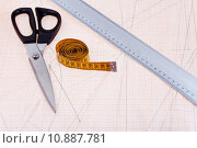 Купить «tailor instruments at graph paper», фото № 10887781, снято 21 ноября 2019 г. (c) PantherMedia / Фотобанк Лори