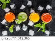 Разноцветные смузи. Стоковое фото, фотограф Руслан Митин / Фотобанк Лори