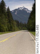Купить «Two Lane Highway Winds Through North Cascade Mountains Washington», фото № 11052685, снято 14 декабря 2017 г. (c) PantherMedia / Фотобанк Лори