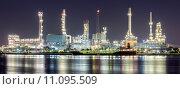 Купить «Oil refinery plant panorama», фото № 11095509, снято 21 октября 2018 г. (c) PantherMedia / Фотобанк Лори