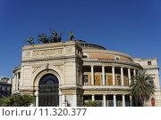 Купить «Politeama opera house», фото № 11320377, снято 18 июня 2019 г. (c) PantherMedia / Фотобанк Лори