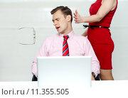 Купить «Tight slap on man's face by a woman», фото № 11355505, снято 26 мая 2019 г. (c) PantherMedia / Фотобанк Лори