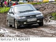 Купить «Lada 2112», фото № 11424681, снято 18 июля 2015 г. (c) Art Konovalov / Фотобанк Лори