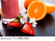 Купить «glass fruit cup milk strawberry», фото № 11440681, снято 18 июня 2018 г. (c) PantherMedia / Фотобанк Лори