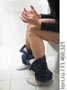 Купить «young man have constipation or diarrhea problems», фото № 11460321, снято 16 января 2019 г. (c) PantherMedia / Фотобанк Лори
