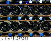 Купить «glass cup storage shelf bottles», фото № 11577513, снято 23 августа 2019 г. (c) PantherMedia / Фотобанк Лори