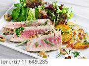 fish salad fried medium steak. Стоковое фото, фотограф Thomas Francois / PantherMedia / Фотобанк Лори