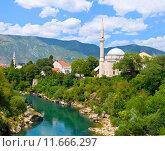 Вид города Мостар и реки Неретва в Боснии и Герцеговине (2015 год). Стоковое фото, фотограф Дмитрий Девин / Фотобанк Лори
