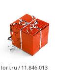 Красная подарочная коробка на белом фоне. Стоковое фото, фотограф Владимир Ходатаев / Фотобанк Лори