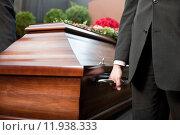 Купить «religion death cemetery sorrow burial», фото № 11938333, снято 20 июля 2019 г. (c) PantherMedia / Фотобанк Лори