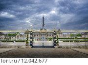 Купить «Gated entrance to the Ecole Militaire in Paris, France», фото № 12042677, снято 21 марта 2019 г. (c) PantherMedia / Фотобанк Лори
