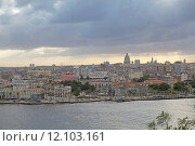 Купить «A panoramic view of Old Havana with the El Capitolio dome and the tower of Jose Marti memorial in the background, Havana, Cuba», фото № 12103161, снято 20 сентября 2019 г. (c) PantherMedia / Фотобанк Лори
