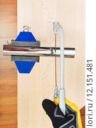 Купить «metalworker sawing trap pipe gripped in vice», фото № 12151481, снято 16 июля 2019 г. (c) PantherMedia / Фотобанк Лори