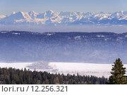 Купить «law alpenblick alpenpanorama berner alpen», фото № 12256321, снято 10 декабря 2018 г. (c) PantherMedia / Фотобанк Лори