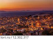 Купить «San Miguel de Allende Mexico Miramar Overlook Sunset Parroquia Archangel Church Lights», фото № 12302317, снято 27 марта 2019 г. (c) PantherMedia / Фотобанк Лори