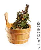 Купить «sauna accessories - bucket with birch broom isolated on white», фото № 12319385, снято 14 декабря 2017 г. (c) PantherMedia / Фотобанк Лори