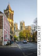 Купить «St Wilfrid's Church and York Minster», фото № 12334137, снято 16 октября 2018 г. (c) PantherMedia / Фотобанк Лори