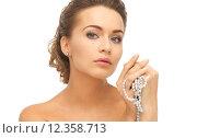 Купить «woman with pearl earrings and necklace», фото № 12358713, снято 17 марта 2013 г. (c) Syda Productions / Фотобанк Лори