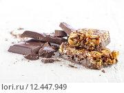 Купить «cereal bar with chocolate», фото № 12447949, снято 23 февраля 2018 г. (c) PantherMedia / Фотобанк Лори