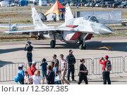 Купить «МиГ-29СМТ. Фронтовой истребитель. Международный авиационно-космический салон МАКС-2015», эксклюзивное фото № 12587385, снято 28 августа 2015 г. (c) Алексей Бок / Фотобанк Лори