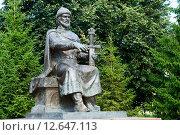 Купить «Памятник Юрию Долгорукому. Кострома», эксклюзивное фото № 12647113, снято 22 июля 2015 г. (c) Александр Щепин / Фотобанк Лори