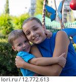 Девочка и маленький мальчик. Стоковое фото, фотограф Ivan Dubenko / Фотобанк Лори