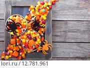 Купить «Хэллоуин, конфеты в небольших баночках», фото № 12781961, снято 22 сентября 2015 г. (c) Елена Веселова / Фотобанк Лори