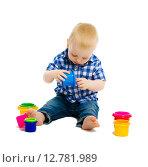Купить «Мальчик играет с игрушками», фото № 12781989, снято 26 января 2020 г. (c) Татьяна Гришина / Фотобанк Лори