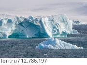 Купить «Айсберги в Северном Ледовитом океане», фото № 12786197, снято 18 августа 2015 г. (c) Николай Гернет / Фотобанк Лори