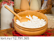 Купить «Творог в миске», фото № 12791365, снято 28 апреля 2015 г. (c) Константин Лабунский / Фотобанк Лори