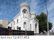 Москва, Воздвиженка, дом 16, особняк Арсения Морозова летом (2015 год). Стоковое фото, фотограф Дмитрий Неумоин / Фотобанк Лори
