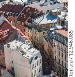 Купить «Вид сверху на узкие улицы старой Риги», фото № 12946085, снято 4 сентября 2014 г. (c) Юлия Бабкина / Фотобанк Лори