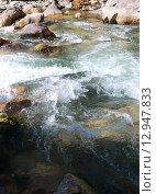 Горная река Гега у подножья Гегского водопада  Абхазия. Стоковое фото, фотограф Ольга Коретникова / Фотобанк Лори