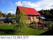 Загородный дом. Стоковое фото, фотограф Вячеслав Варбасевич / Фотобанк Лори