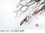 Купить «Новогодняя сервировка стола в серебристых цветах», фото № 12963445, снято 21 октября 2018 г. (c) Дарья Зуйкова / Фотобанк Лори