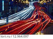 Автомобильные огни на ул. Земляной вал. Стоковое фото, фотограф Алексей Ильченко / Фотобанк Лори