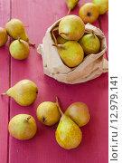 Купить «Fresh pears», фото № 12979141, снято 19 августа 2019 г. (c) PantherMedia / Фотобанк Лори