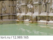 Купить «Фонтан Fonte Gaia на площади Campo в Сиене. Италия», фото № 12989165, снято 20 августа 2015 г. (c) Александр Степанов / Фотобанк Лори