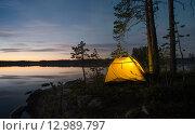 Палатка на острове. Стоковое фото, фотограф Максим Судоргин / Фотобанк Лори