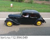 Старый автомобиль (2011 год). Редакционное фото, фотограф Игорь Буранок / Фотобанк Лори