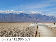 Badwater, национальный парк Долина Смерти в США (2011 год). Стоковое фото, фотограф MARINA EVDOKIMOVA / Фотобанк Лори